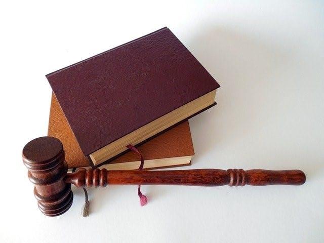 gavel-law-books