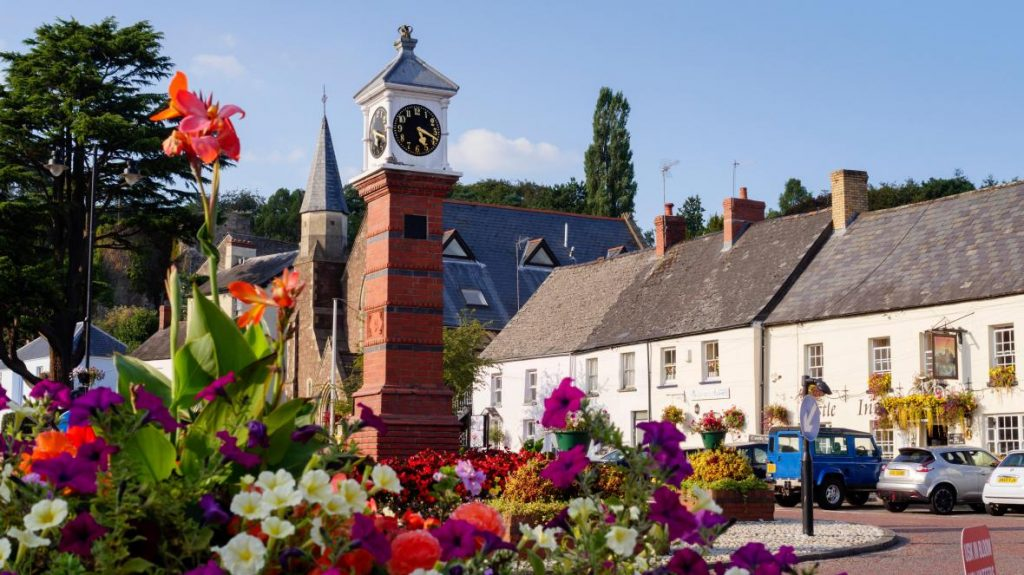 Monmouthshire Average House Price